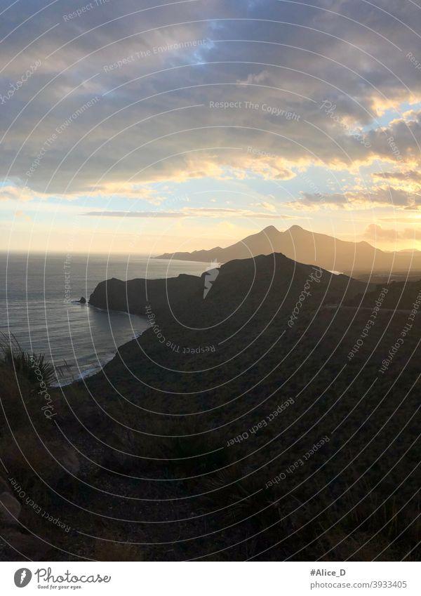 Silhouette Küstenlandschaft in Cabo de Gata Natural Park Andalusien bei Sonnenuntergang spain andalusia almeria nijar natural park cabo de gata dusk sunlight