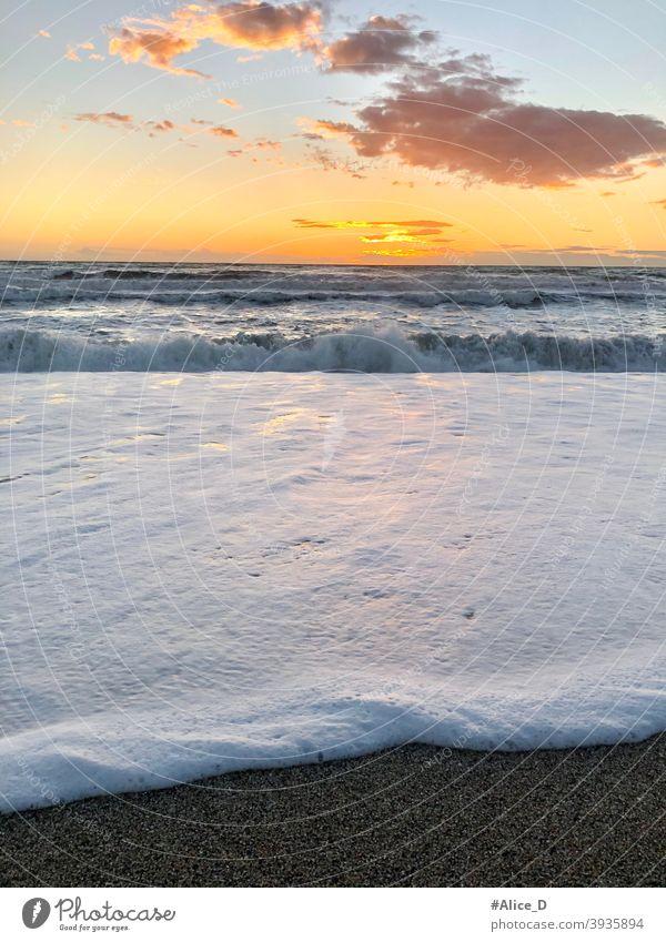 Mittelmeer Wellen Strand bei Sonnenuntergang in Nijar Andalusien Spanien mediterranean sea hour andalusia almeria nijar cabo de gata sound waves video audio