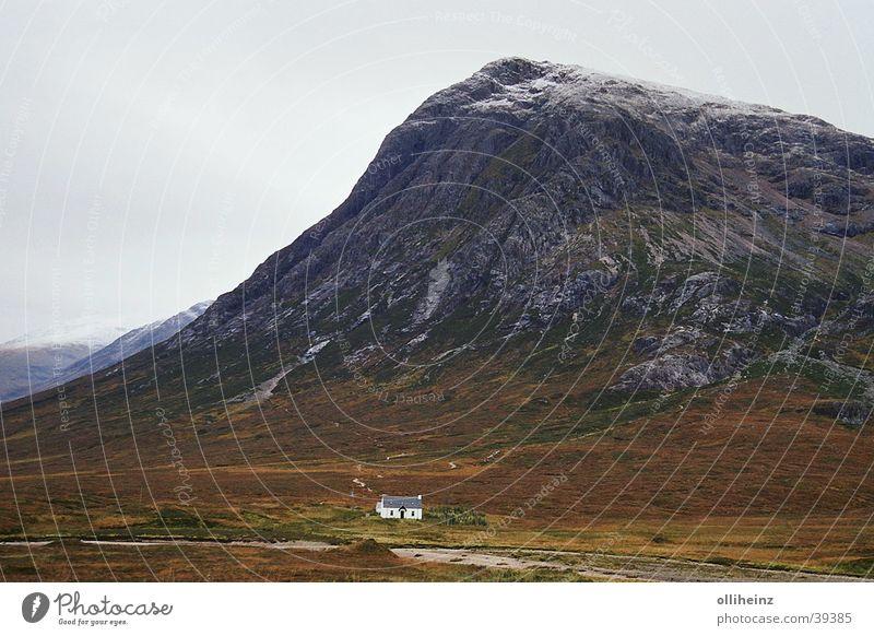 Schottische Highlands Haus Berge u. Gebirge Bahnhof Schottland Schottisches Hochlandrind