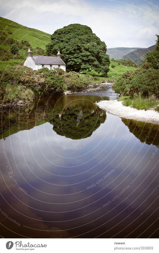 irish cottage 3 Umwelt Natur Landschaft Baum Sträucher Moos Garten Wiese Feld Hügel Küste Seeufer Flussufer Strand Bach Erholung Häusliches Leben grün Cottage