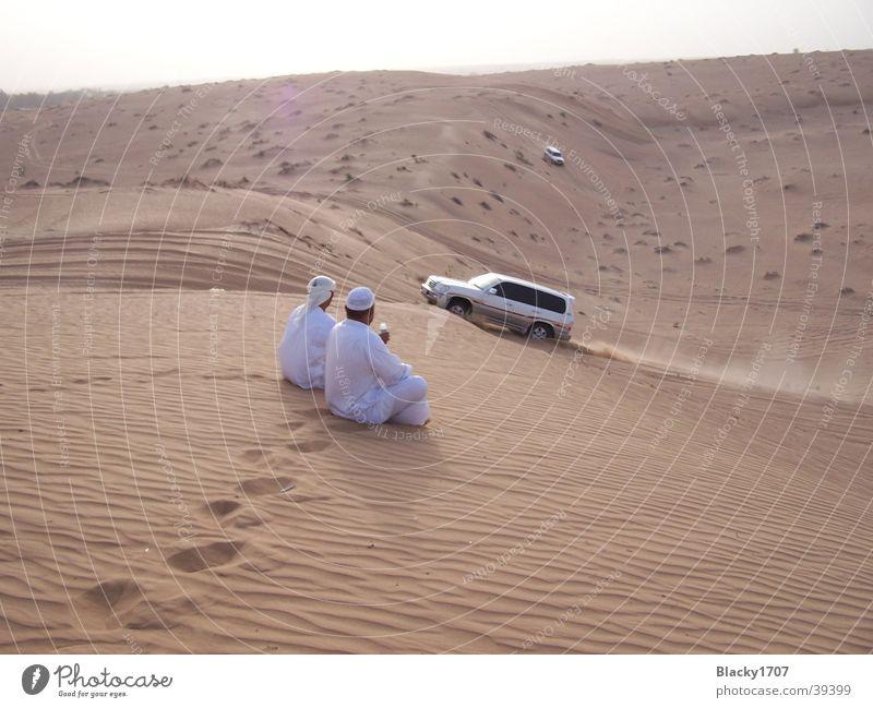 Wüstenralley Dubai Pause Safari heiß Araber Geländewagen Staub Sommer Asien Sand Stranddüne Sonne Ralley Jeep Emirate