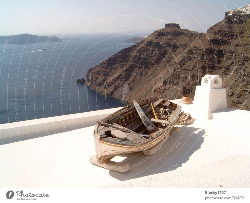 Holzboot auf Santorini Meer Europa Santorin