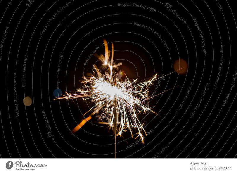 Hand-Feuerwerk Wunderkerze Wunderkerzen Silvester u. Neujahr Funken Licht Nacht Feste & Feiern Party Weihnachten & Advent brennen Freude hell leuchten