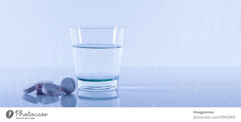 Nahrungsergänzung Magnesium Brausetabletten Nahrungsergänzungsmittel gesund Gesundheit Glas Wasser Medizin Konzept Vitamine Mineralstoffe Ernährung