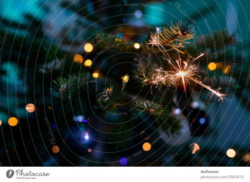 Wunderkerze am Weihnachtsbaum Weihnachten Weihnachten & Advent Weihnachtsdekoration Tannenbaum feierlich weihnachtlich festlich Winter Dekoration & Verzierung
