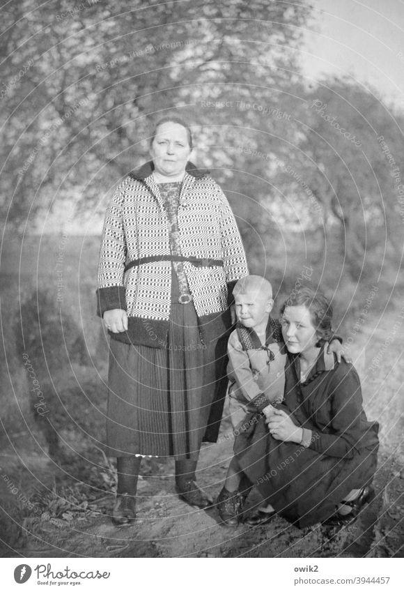 Bodyguard Familie & Verwandtschaft Generation Nostalgie historisch alte Aufnahme Fotografie ernst streng Blick in die Kamera bewegungslos Hierarchie früher