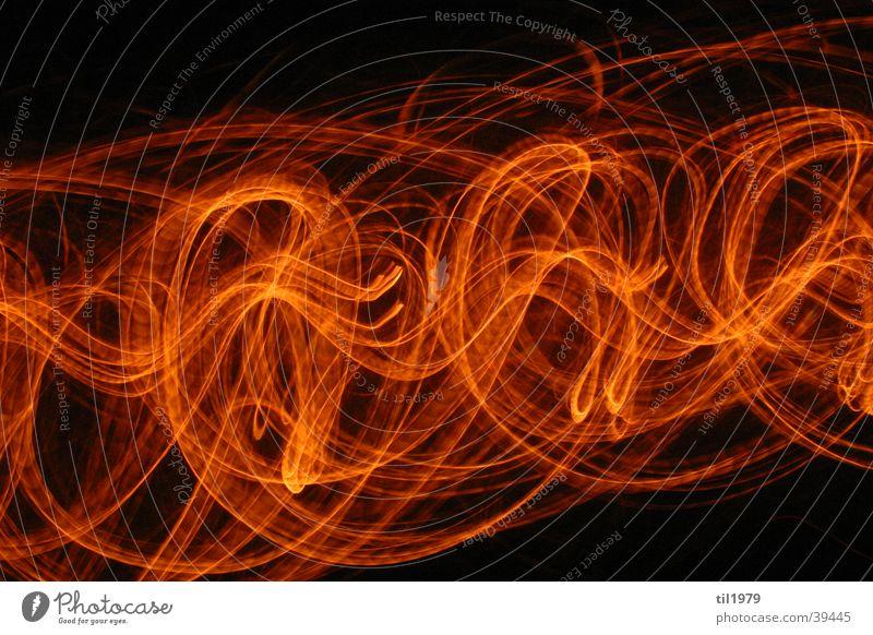 Feuer1 Lampe Langzeitbelichtung schwarz Häusliches Leben Bewegung Brand orange Unschärfe