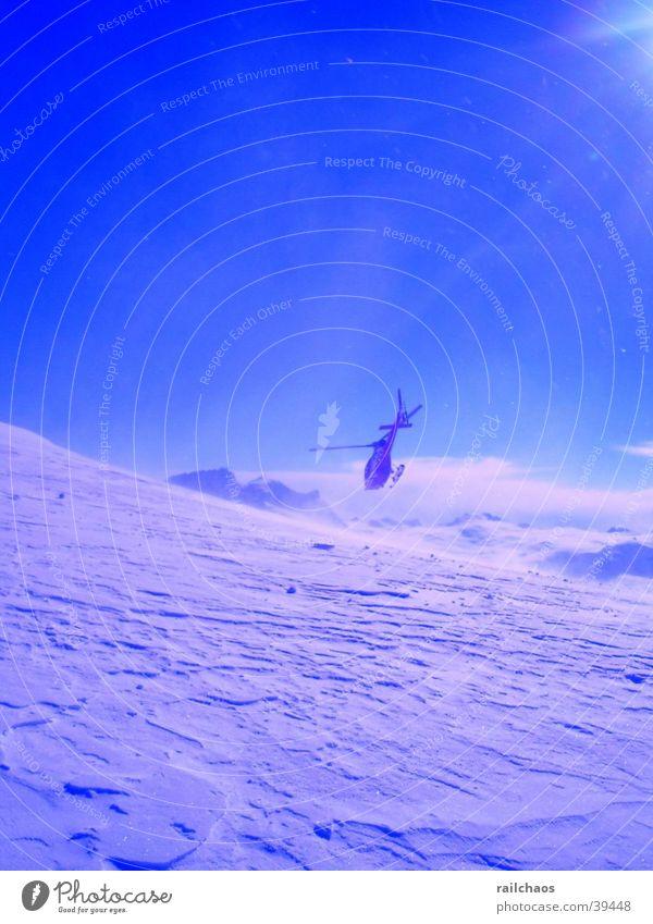 Heliskiing_1 Gletscher Schnee Berge u. Gebirge Hubschrauber Sonnenstrahlen Sonnenlicht Blauer Himmel Schneedecke Schönes Wetter Menschenleer Wintersonne