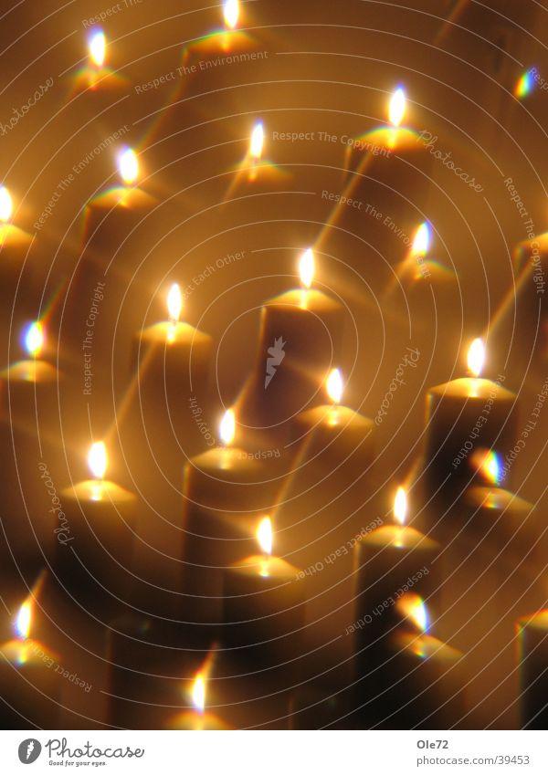 Kerzen durch Prisma Dinge