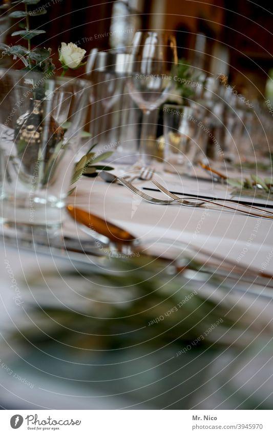 Festessen Tisch Tischdekoration Gläser Besteck Dekoration & Verzierung Feste & Feiern Stil Veranstaltung Restaurant Tischdecke Catering Party Serviette Festakt