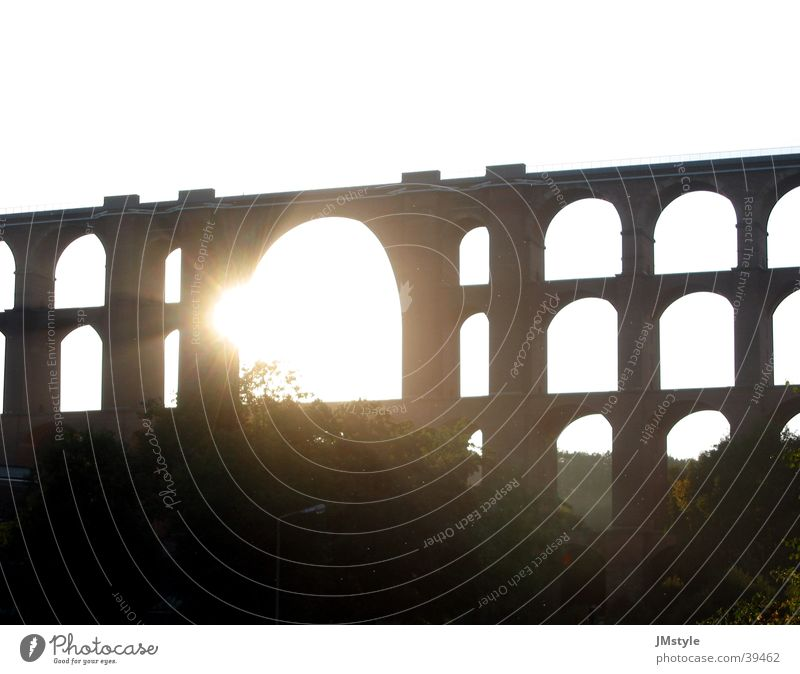 Göltzschtalbrücke Sonnenuntergang Gegenlicht Eisenbahnbrücke Europa Brücke Architektur