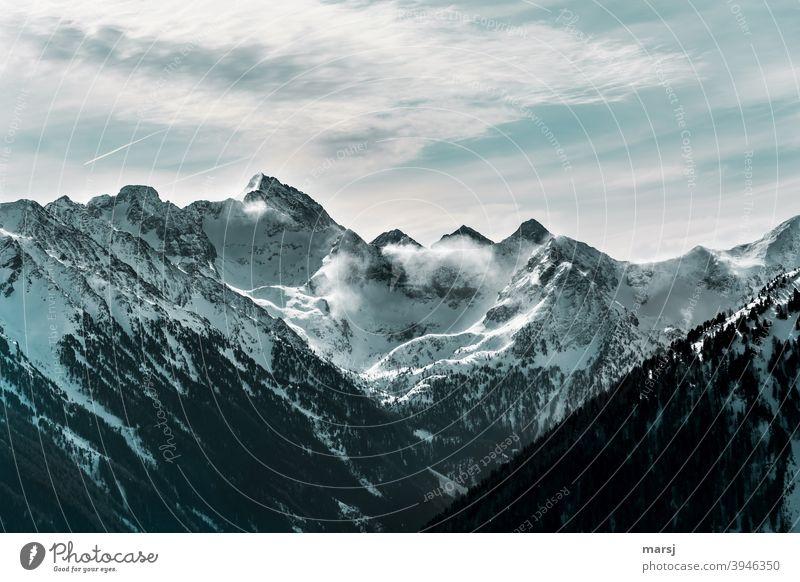 Stürmische Zeiten in den Tauern. Blick zum Hochgolling Föhn Berge u. Gebirge Ferien & Urlaub & Reisen Ausflug Winter Landschaft Natur Wind Alpen Gipfel