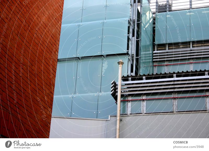 Glasbau1 Fassade grau grün Ludwigshafen Walzmühle vertikal Architektur Michlgas Ernst-Bloch-Zentrum