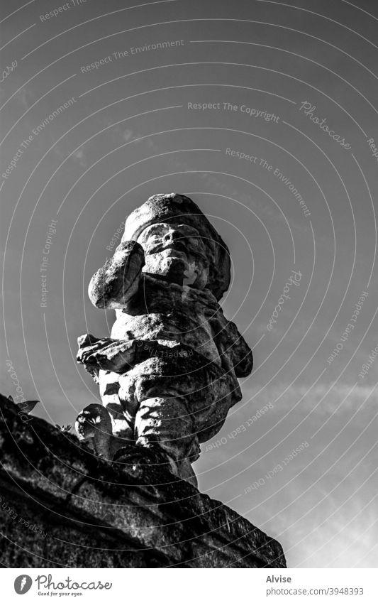 Blick in die Zukunft Statue mittelalterlich Bildhauerei Wahrzeichen Architektur Großstadt Tourismus Denkmal Europa Kunst Stein reisen Starrer Blick Stadtbild