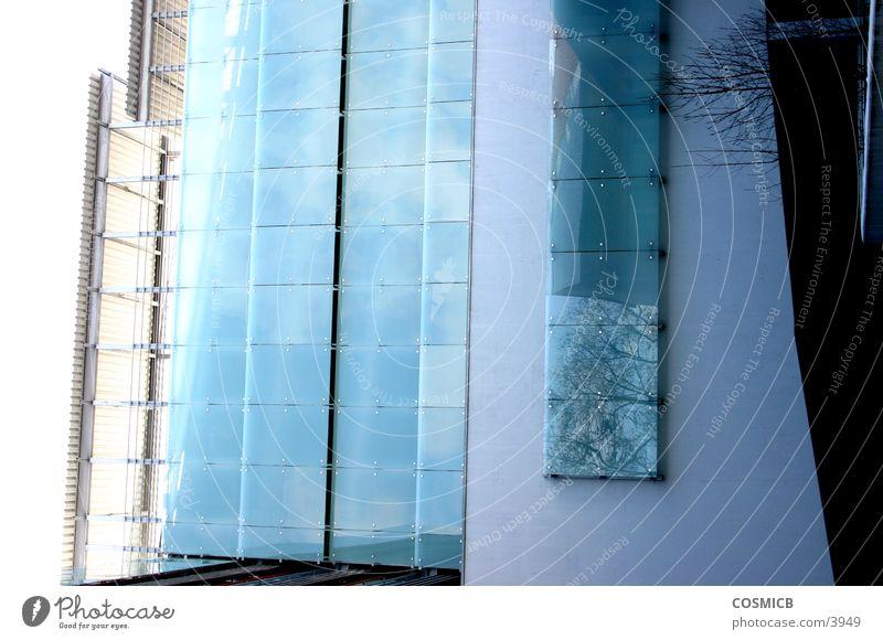 Glasbau2 Fassade grau grün Ludwigshafen Walzmühle vertikal Architektur Michlgas Ernst-Bloch-Zentrum