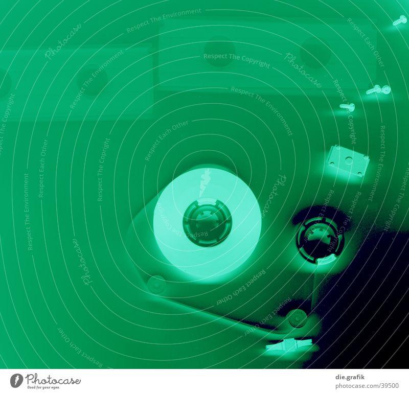 green tape Musik Studium Technik & Technologie Konzert Kunststoff Schnur entdecken hören Musik hören Aggression verrückt trashig grün Verfall Musikkassette