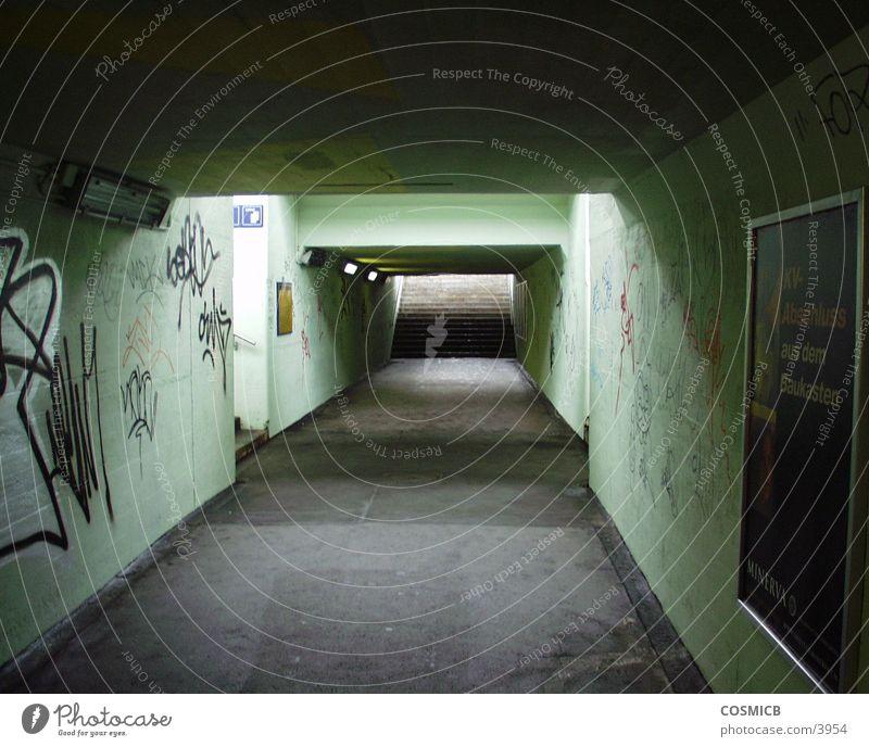 Unterführung Brücke Durchgang Lichthof Bahnunterführung