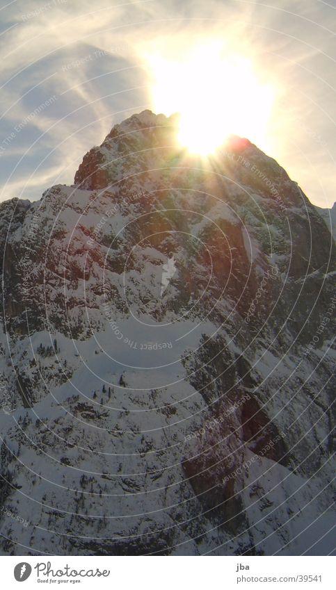 Sonnenbergspitze Gstaad Berge u. Gebirge Spitze hinter Berg Gifer