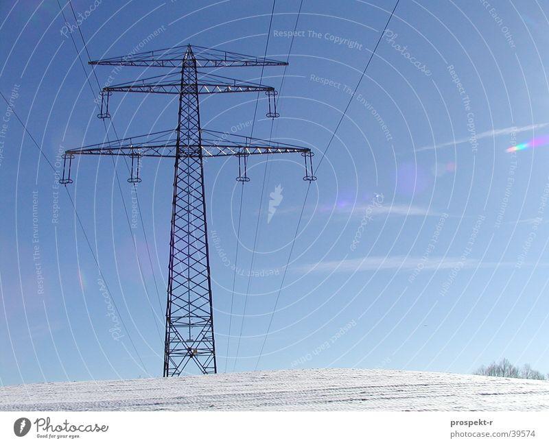Strom 03 Himmel weiß Sonne blau Schnee Berge u. Gebirge Energiewirtschaft Elektrizität Technik & Technologie Kabel Hügel Stahl Draht Elektronik Elektrisches Gerät