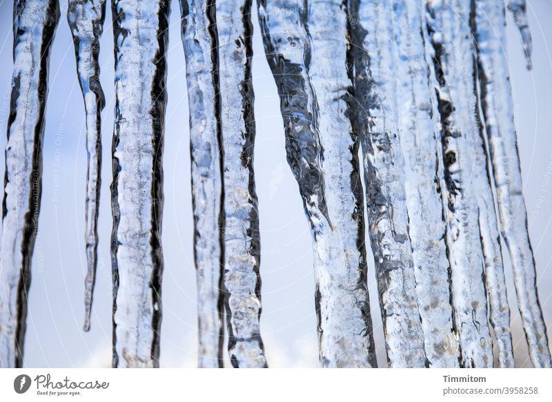 Eiszapfen (2) Winter Kälte blau weiß Himmel Frost