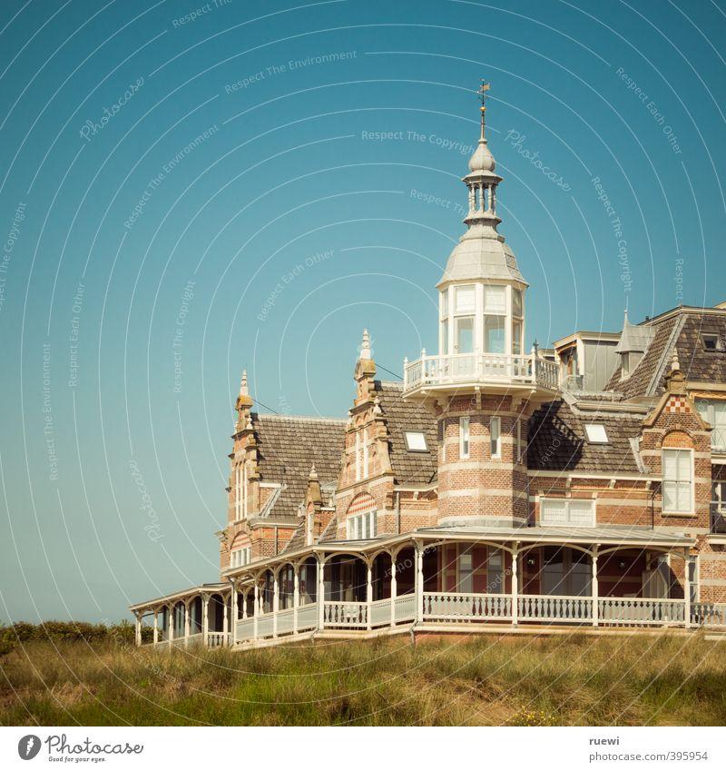 Het badhuis elegant Ferien & Urlaub & Reisen Tourismus Sommer Sommerurlaub Sonne Häusliches Leben Haus Traumhaus Landschaft Wolkenloser Himmel Schönes Wetter