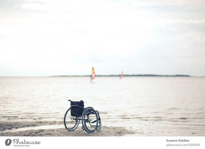 barrierefrei. Freizeit & Hobby Ferien & Urlaub & Reisen Ferne Sonnenbad Wellen Fitness Sport-Training Sportler Schwimmen & Baden Mensch Himmel Horizont Küste