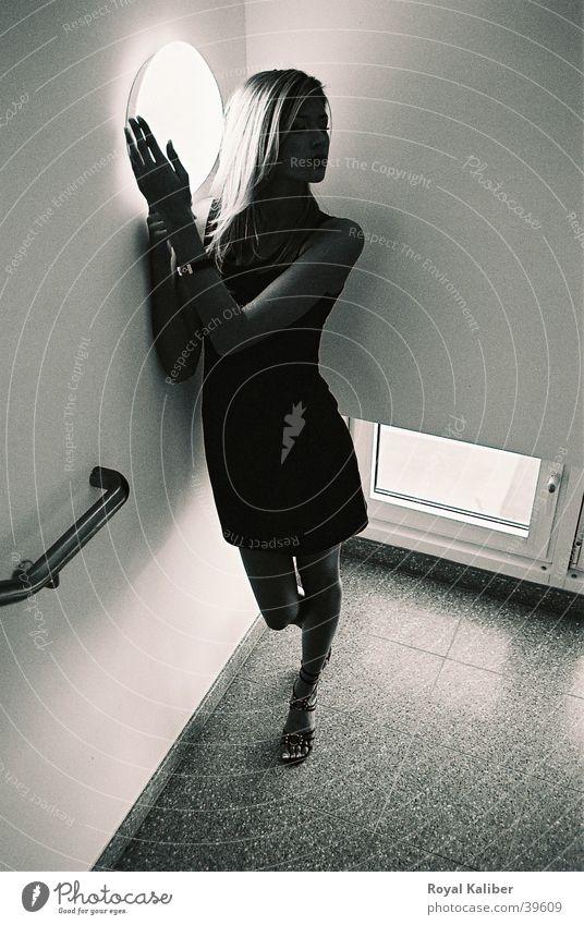 Erwartungen Frau Einsamkeit Wärme Rausch Treppenhaus Zärtlichkeiten