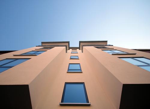 Geschmackssache Schönes Wetter Haus Hochhaus Bauwerk Gebäude Architektur Mauer Wand Fassade Fenster Etage ästhetisch bedrohlich eckig gigantisch hoch modern