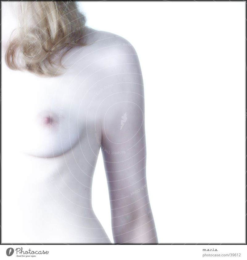 white Frau weiß feminin Haare & Frisuren hell Arme Brust Schulter Akt High Key