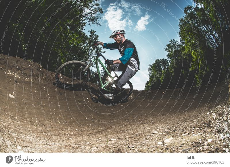Dirt 2 Natur Jugendliche Landschaft Erwachsene Junger Mann Umwelt 18-30 Jahre Sport hell maskulin Freizeit & Hobby Schönes Wetter Coolness gut