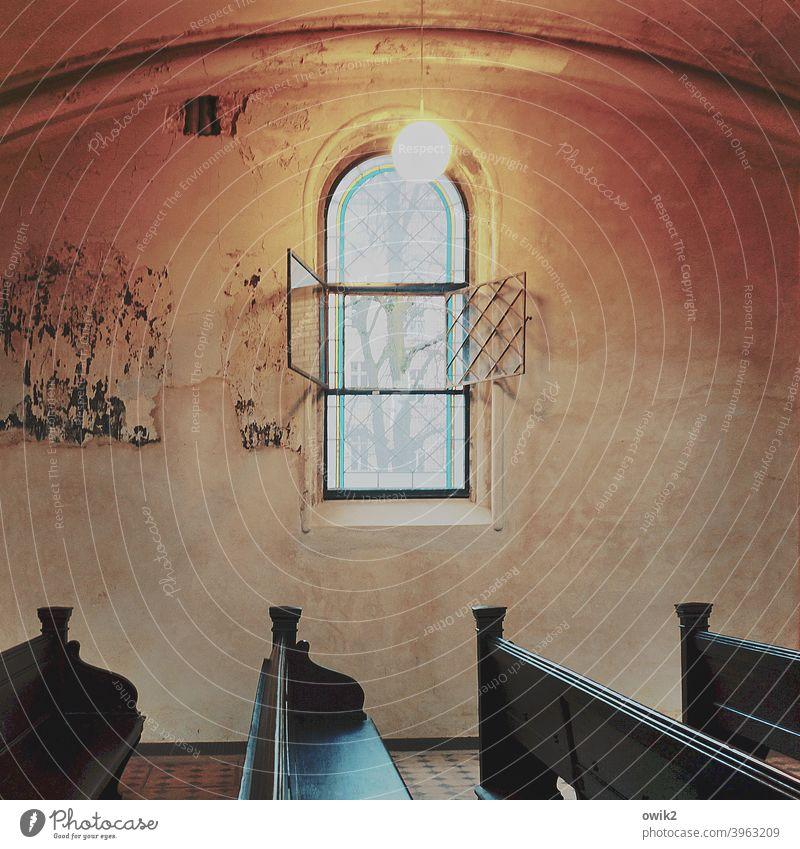 Nordwand Kirche Fenster Wand Mauer Gewölbebogen Religion & Glaube Innenaufnahme Menschenleer Textfreiraum links Textfreiraum rechts Textfreiraum oben Kontrast