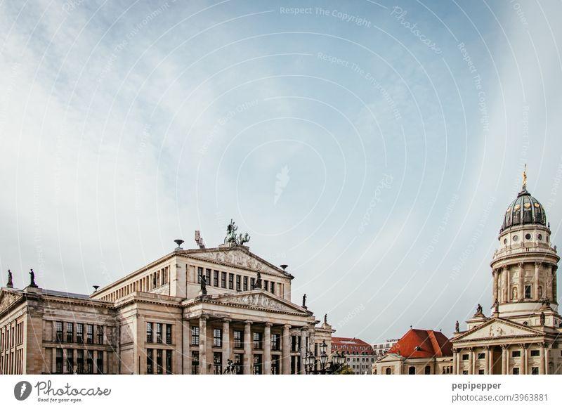 Oper Berlin mit Berliner Dom Berlin-Mitte Hauptstadt Stadtzentrum Architektur Sehenswürdigkeit Wahrzeichen Außenaufnahme Bauwerk Tourismus Sightseeing Gebäude