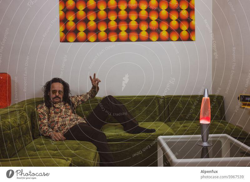 Love & Peace | 800 Rastalocken orange Dreadlocks 70er retro-stil retrotapete Retro-Trash Retro-Farben alternativ Space Age Häusliches Leben 70s peacezeichen