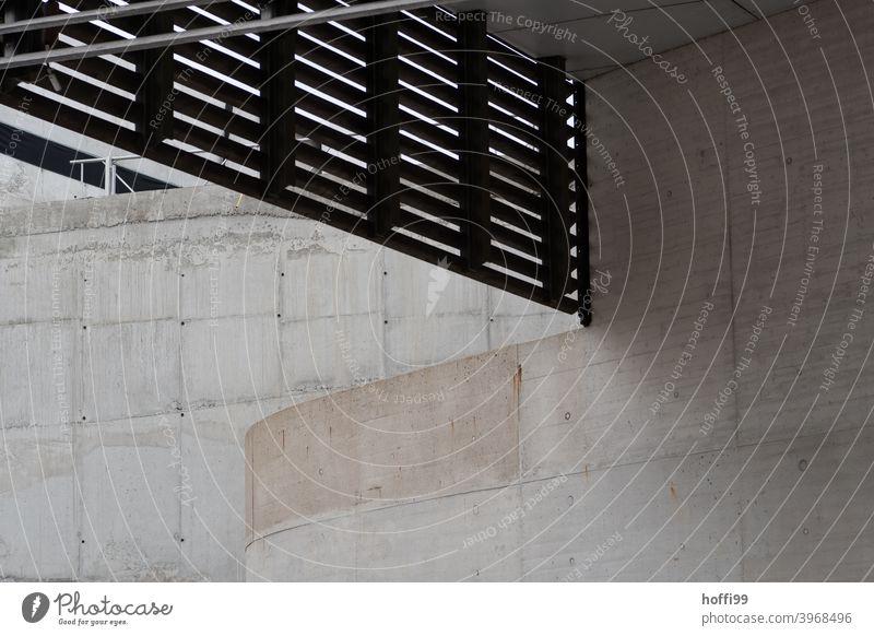 Verblendung und Sichtbeton Geländer Sichtbetonwand Minimalismus Architektur Haus Fassade modern Linie Bauwerk Beton trist abstrakt Strukturen & Formen Stein