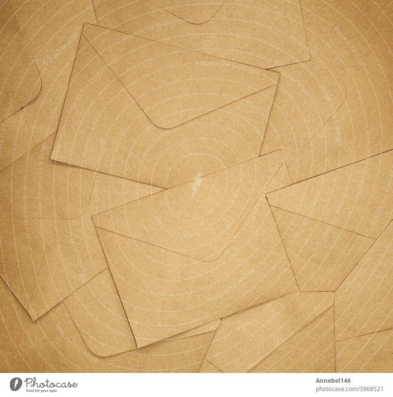 Brown Envelopes Hintergrundtextur, braunes Normalpapier, Kopierraum Draufsicht Papier Brief Kuvert blanko Nachricht Textur Schreibwarenhandlung Post Beitrag