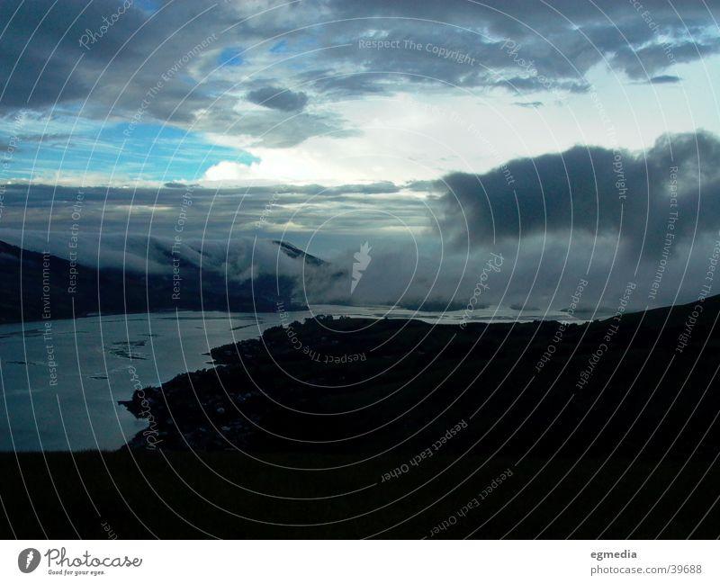 Clouds Falling on the Bay of Dunedin Wasser Wolken Wetter Bucht Neuseeland