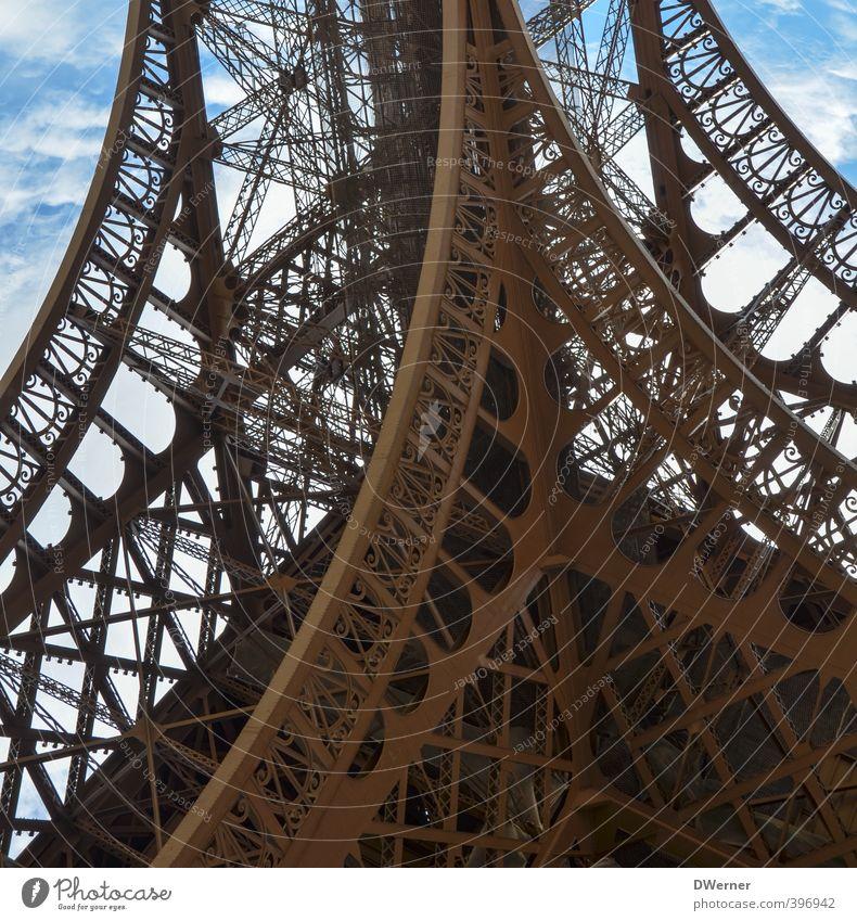 La Tour Eiffel Ferien & Urlaub & Reisen Tourismus Ausflug Freiheit Sightseeing Städtereise Kunstwerk Architektur Himmel Schönes Wetter Turm Bauwerk Gebäude