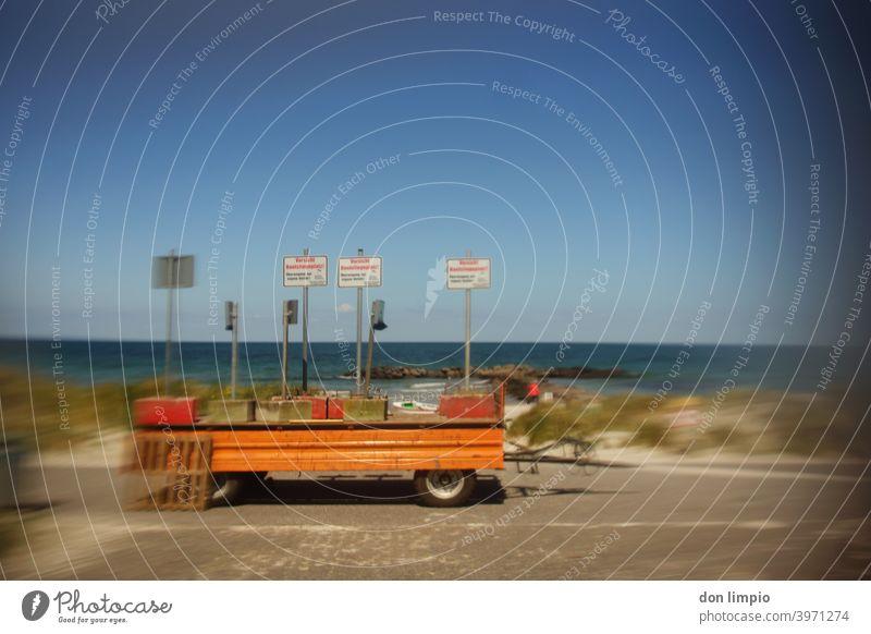 Strand gesperrt Deich Absperrung Küste Ferien & Urlaub & Reisen Außenaufnahme Menschenleer Sommer Landschaft Ostsee Tourismus Sommerurlaub Textfreiraum oben