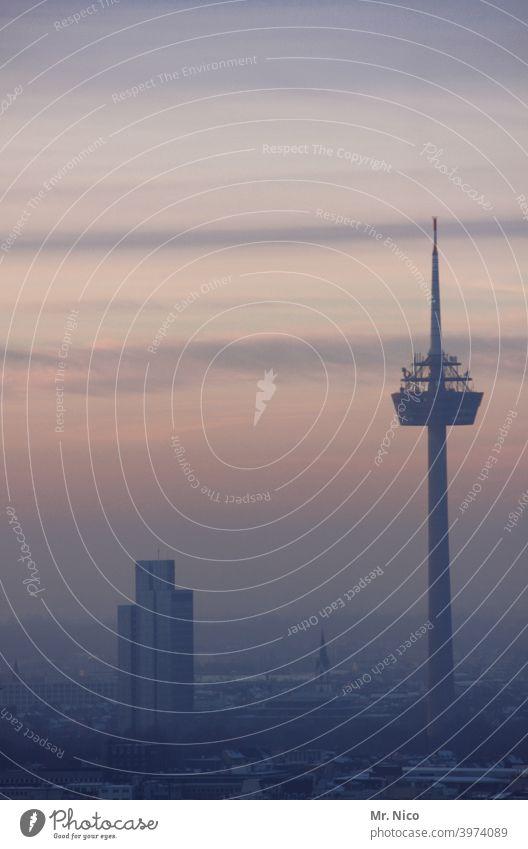 Köln Skyline Stadt Himmel Hochhaus Horizont Turm Sonnenuntergang Fernsehturm Dämmerung Architektur Bauwerk Colonius - Fernsehturm Wahrzeichen Gebäude