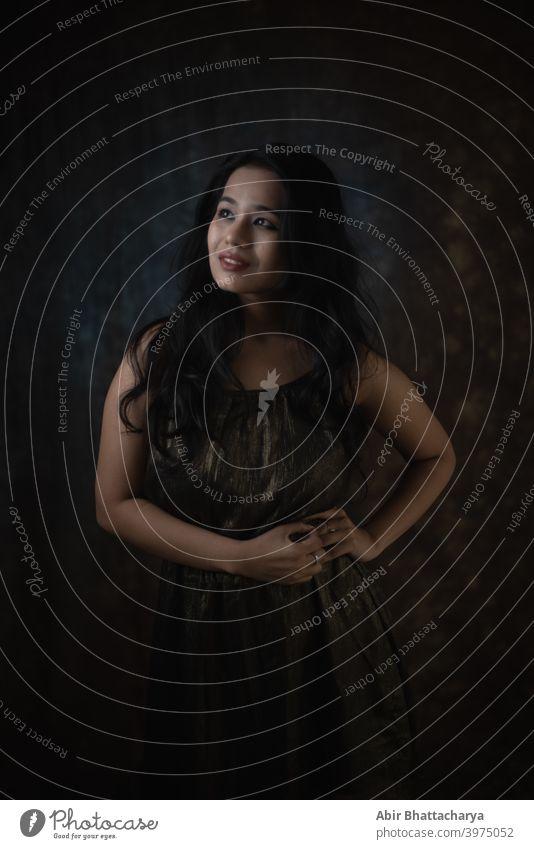Mode Porträt eines jungen indischen Mädchens im Studiolicht Model Atelier Inder asiatisch