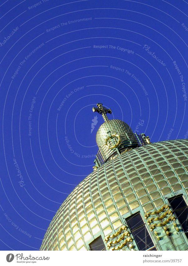 Kuppel Himmel blau Religion & Glaube Architektur Gold Rücken Wien Kuppeldach Gotteshäuser Jugendstil Kirche am Steinhof