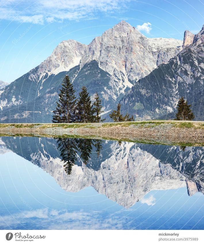 Bergspiegelung berglandschaft Spiegelsee Landschaft Berge u. Gebirge Frischluft Salzburg Natur Naturliebe wandern Outdoor landschaftsfoto Blauer Himmel