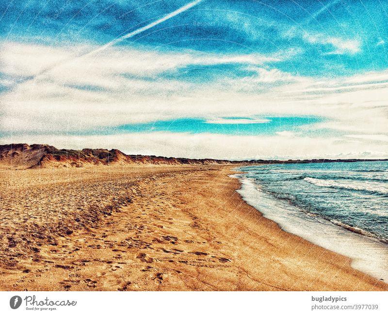 Tag am Meer Strand Stranddüne Strandspaziergang Ozean Wellen Wellengang Küste Wasser Sand Himmel Blauer Himmel Wolken Kondensstreifen Dünen Nordsee Ostsee Insel