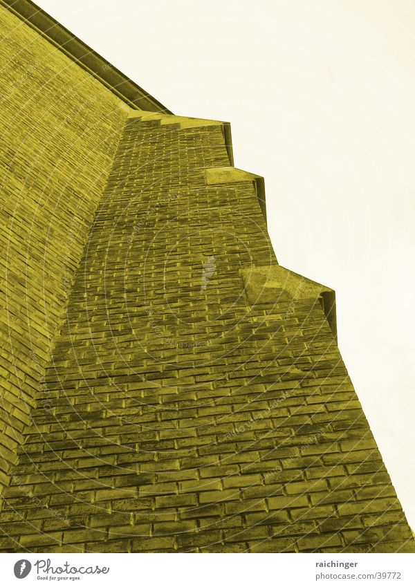 Eine feste Burg ist unser Gott Mauer Fassade Backstein dunkel massiv Gotteshäuser Religion & Glaube Sepia uneinnehmbar