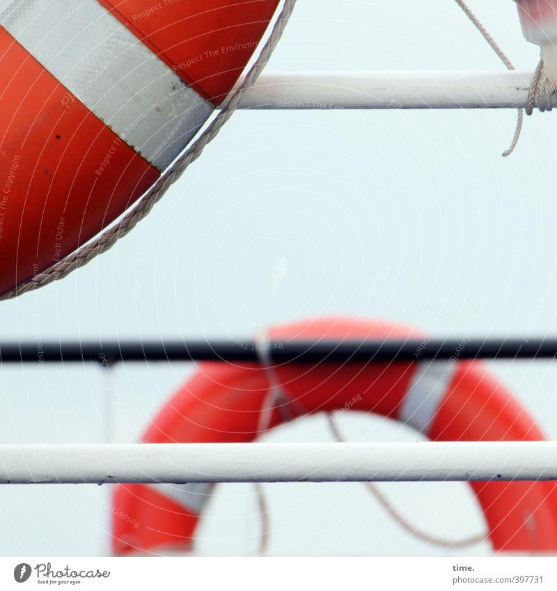 Sicherheitsstufe 2 Schifffahrt Binnenschifffahrt Passagierschiff Wasserfahrzeug An Bord Reling Rettungsring maritim Metall Kunststoff rund rot weiß