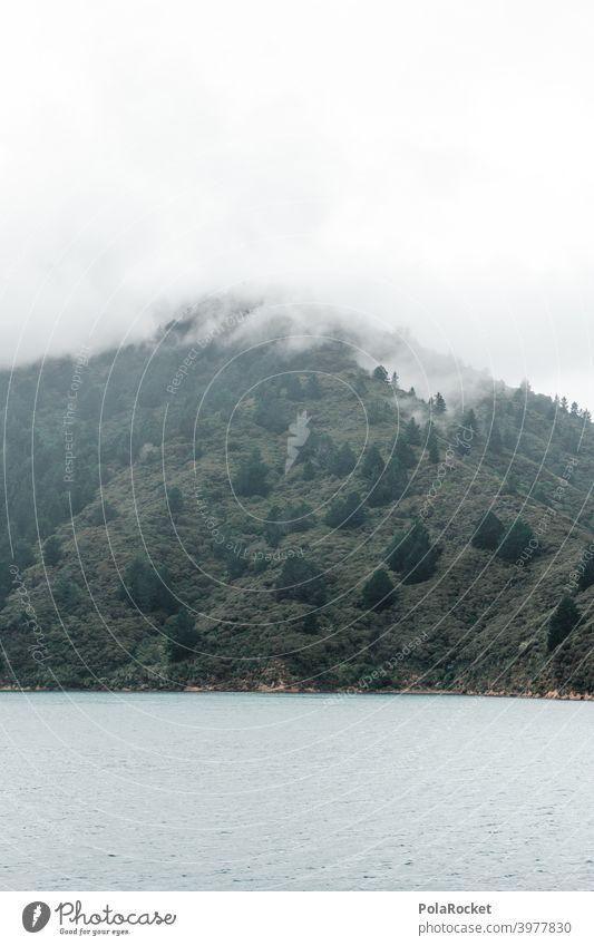 #AS# Nebelspiel Meer blau ufer Küste Himmel Landschaft reisen allein naturbelassen wild Wasser Wanderer Abenteurer gelb See Blauer Himmel besonders