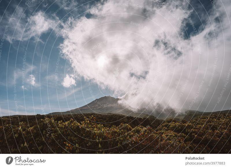 #AS# Mt. Taranaki back taranaki Neuseeland Berge u. Gebirge Außenaufnahme Wolken Menschenleer Naturschauspiel regenfront Himmel Fernweh Ferien & Urlaub & Reisen