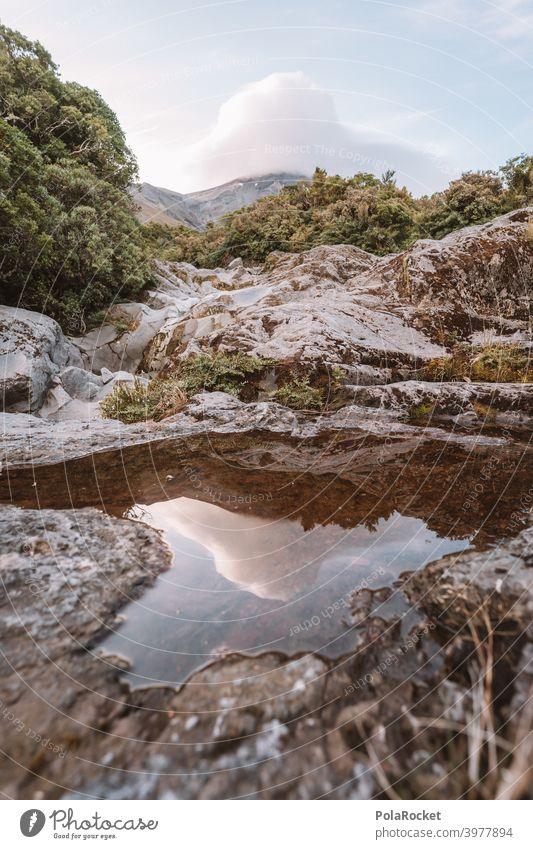 #AS# Mt. Taranaki bedeckt taranaki Neuseeland Berge u. Gebirge Außenaufnahme Wolken Menschenleer Naturschauspiel regenfront Himmel Fernweh