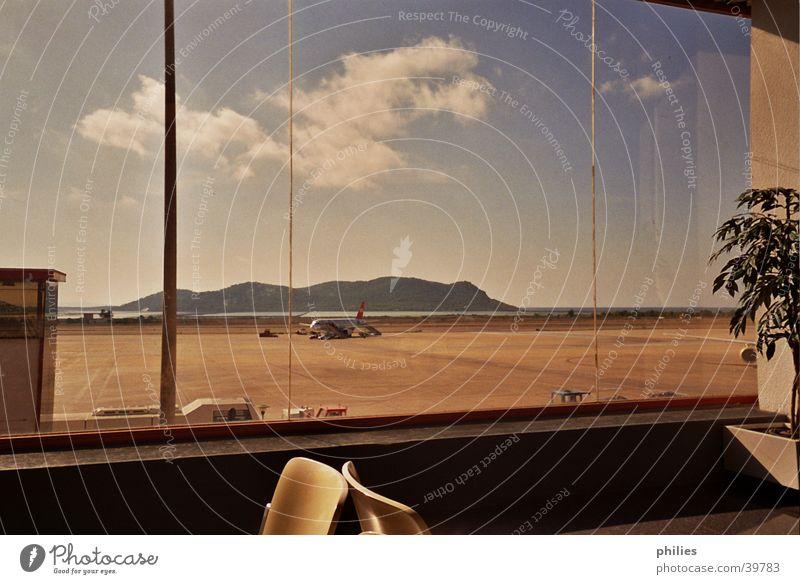 Abflug von Eivissa Meer Wolken Ibiza Flugzeug Europa Flughafen