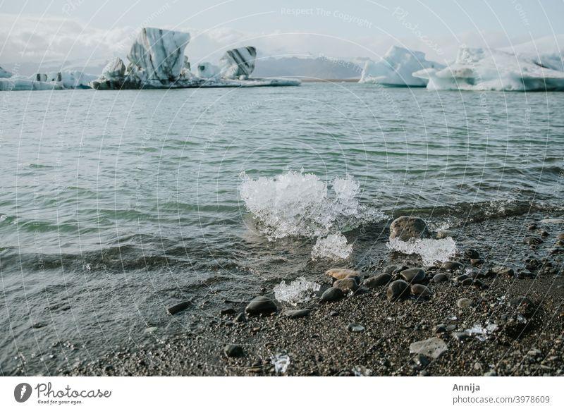 Eisschmelze Schmelzen Gletscher Gletschereis Island Lagune Wasser Schnee Winter Frühling blau Eisberg kalt